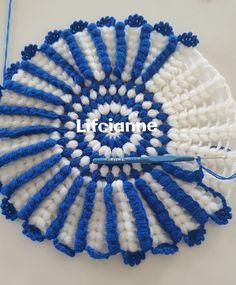 Crochet Poncho - How to Crochet: Textured Wave Stitch Red Heart Yarn Patterns, Crochet Blanket Patterns, Crochet Motif, Crochet Designs, Crochet Doilies, Crochet Flowers, Crochet Stitches, Quick Crochet, Diy Crochet