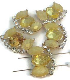5 unique rhinestone 2 hole beads d33