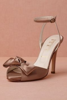 I'm liking these Bronze Knot Heels