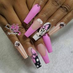 Adding some glitter nail art designs to your repertoire can glam up your style within a few hours. Check our fav Glitter Nail Art Designs and get inspired! Minnie Mouse Nails, Mickey Nails, Disney Acrylic Nails, Best Acrylic Nails, Elegant Nails, Stylish Nails, Cute Acrylic Nail Designs, Nail Art Designs, Gorgeous Nails