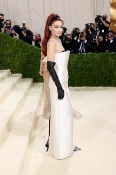 The 2021 Met Gala Made Gloves The Coolest Red Carpet Accessory Again Gigi Hadid Red Hair, Gigi Hadid Outfits, Met Gala Red Carpet, Fashion Design Portfolio, Dior Dress, Fashion Forecasting, Nice Dresses, Formal Dresses, Strapless Gown