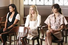 Pin for Later: These Little Liars Could Teach You a Lesson on Switching Up Your Style  Spencer's cape dress needs to be in our closet, stat.