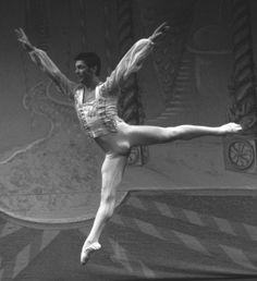 Dance Photography, Dancers, Hot Guys, Ballet Shoes, Costume, Statue, Black And White, Pictures, Men