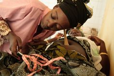 A midwife listens for heartbeat on the belly of Mariam Moutari, 20, who is 8 month pregnant with her second child, during a pre-natal consutlation at the Bilmari health center in the town of Mirriah, Niger on Wednesday March 21, 2012. Photo: UNICEF NYHQ2012-0329