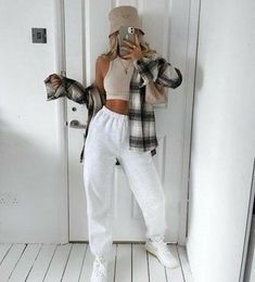 Trendy Fall Outfits, Cute Lazy Outfits, Winter Fashion Outfits, Retro Outfits, Mode Outfits, Look Fashion, Stylish Outfits, Girl Outfits, Teenager Outfits