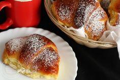 Cornuri cu magiun | Laura Laurențiu Romanian Food, Romanian Recipes, Eggs Benedict Recipe, Recipies, Deserts, Dessert Recipes, Food And Drink, Pudding, Cooking Recipes