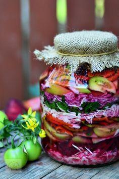 salata asortata cu pikant fix New Recipes, Vegetarian Recipes, Healthy Recipes, Romanian Food, Artisan Food, Hungarian Recipes, Home Food, Fermented Foods, Canning Recipes