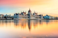 The+Essential+Travel+Guide+to+Hungary+(Infographic)