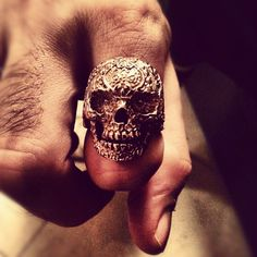 #sugarskull #skull #ring #gold #silver #skin #fantastic #bestpic #beautiful #cute #roma #rome #italia #italy #anello