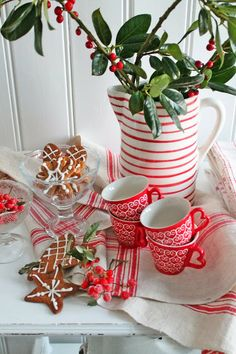 So elegant  holiday table decors #holiday #table #decors