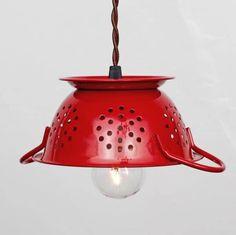 Repurposed Kitchen Colander Light - My kitchen WILL have this lamp, in aqua! Mini Kitchen, Red Kitchen, Vintage Kitchen, Kitchen Decor, Kitchen Sink, Kitchen Strainer, Kitchen Lamps, Kitchen Chandelier, Eclectic Kitchen