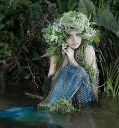 ♒ Mermaids Among Us ♒ art photography & paintings of sea sirens & water maidens - Svetlana Zadvornova - Little Mermaid Pretty Mermaids, Real Mermaids, Mermaids And Mermen, Mermaid Cove, Mermaid Tails, Mermaid Art, Mermaid Lagoon, Fantasy Creatures, Mythical Creatures
