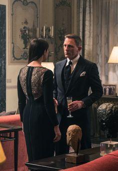 and Daniel Craig. James Bond Suit, Bond Suits, James Bond Actors, James Bond Movie Posters, James Bond Style, James Bond Movies, Daniel Craig Spectre, Daniel Craig Suit, Daniel Craig Style