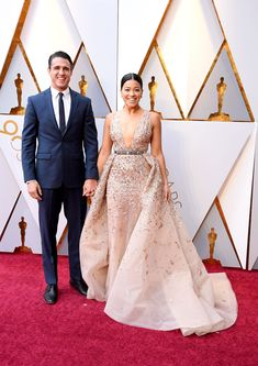 The Cutest Couples on the 2018 Oscars Red Carpet: Gina Rodriguez & Joe Locicero Oscar Dresses, Formal Dresses, Wedding Dresses, Oscars Red Carpet Dresses, Celebrity Look, Hollywood Glamour, Red Carpet Fashion, Dress Me Up, Celebs