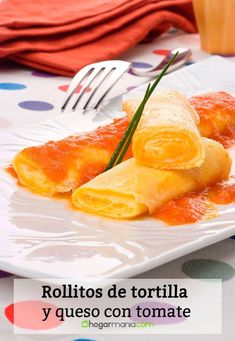 Receta de Rollitos de tortilla y queso con tomate. Queso Fundido, Tortilla, Breakfast Ideas, Cantaloupe, Fruit, Tableware, Food, Wraps, Appetizers