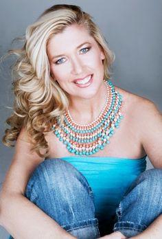 Living in the NOW: Shannon Campbell, Wardrobe Stylist  #Stylist #Trendsetter #Phoenix #Arizona #Fashion #Style #Model  www.AZFoothills.com