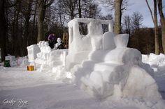 Tren del Fin del mundo en nieve. Snow Sculpture Haruwen 2012 - Ushuaia, TDF, Patagonia