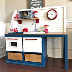 Kids Play Kitchen DIY Woodworking Plan - Abbotts At Home Yay! This Kids Play Kitchen DIY Woodworking Plan is an easy woodworking build with lots of fun addi Plywood Furniture, Woodworking Furniture Plans, Easy Woodworking Projects, Woodworking Videos, Wood Projects, Woodworking Store, Woodworking Joints, Diy Furniture Videos, Diy Kids Furniture