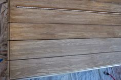 Faux Reclaimed Wood Plank Table Top How-To - Bless'er House Best Wood For Furniture, Paint Furniture, Furniture Ideas, Reclaimed Wood Table Top, Refinished End Tables, Wallpaper Dresser, Wood Refinishing, Plank Table, Diy Dining Table