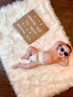 Newborn Baby Photography, Newborn Photos, Book Bebe, Milestone Pictures, Monthly Baby Photos, Baby Letters, Baby E, Cute Baby Pictures, Baby Milestones