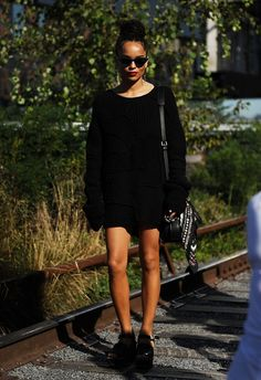 Pin for Later: Updated! The Best Street Style From New York Fashion Week New York Fashion Week, Day 6 Zoë Kravitz.