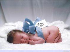 cute newborn picture ideas
