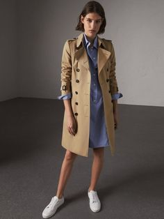 20 more trench coat outfit winter men mens fashion ~ trenchcoat outfit winter herrenmode trench coat outfit winter men mens fashion ~ Casual winter men fashion. Trench Coat Outfit, Long Trench Coat, Coat Dress, Belted Coat, Camel Coat, Classic Trench Coat, Beige Trenchcoat, Burberry Trenchcoat, Burberry Outfit