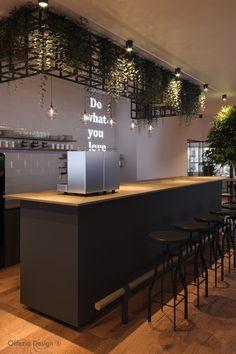 Büroküche als zentraler Treffpunkt für alle Mitarbeiter inklusive optimaler Kaffeeversorgung sowie Empfang für Gäste. Table, Design, Furniture, Home Decor, Decoration Home, Room Decor, Tables, Home Furnishings