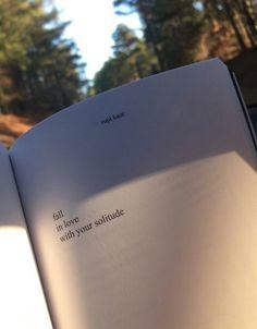 Jatuh cinta pada kesendirian