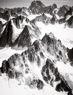 Les sommets en noir et blanc.