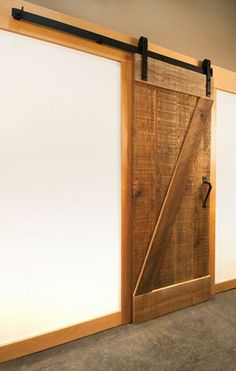 1000 images about sliding barn doors on pinterest for Sliding carriage doors