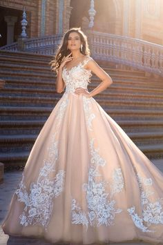 Perfect for my second wedding,  I can't wait to feel like a QUEEN.♥♥♥♥