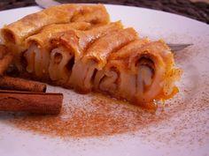 Κολοκυθόπιτα της γιαγιάς Λίας Greek Desserts, Apple Pie, Bacon, Pumpkin, Sweets, Breakfast, Food, Irish, Decoration