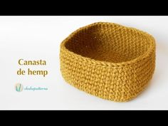 This crochet accessory for the home is made with hemp yarn which has a different and interesting texture. It& also perfect to decorate. This type of yarn is. Crochet Bowl, Crochet Basket Pattern, Crochet Diy, Crochet Patterns, Crochet House, Hemp Yarn, Crochet Simple, Tapestry Crochet, Crochet Videos