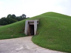 The mound temples and historic villages of the Muscogee people, descended from the Mississippian culture, in the Ocmulgee Old Fields of Georgia have been subject to development intrusions since the 1700s. - See more at: http://www.sacredland.org/ocmulgee/#sthash.8WZN0HD5.dpuf
