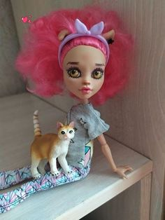 Direct • Instagram Howleen Wolf, Crochet Hats, Dolls, Christmas Ornaments, My Favorite Things, Holiday Decor, Beautiful, Instagram, Toys