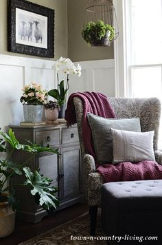 How Japanese Interior Layout Could Boost Your Dwelling Gray Wing Chair In Reading Corner With Plants And Orchids Shabby Chic Living Room, Cozy Living Rooms, Shabby Chic Decor, Living Room Decor, Decorating Small Spaces, Decorating On A Budget, Home Decor Bedroom, Diy Home Decor, Bedroom Artwork