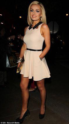 Love this topshop playsuit! Katherine looks lovely wearing it. Katherine Jenkins, Beautiful Legs, Beautiful Women, Perfect Woman, Female Singers, Celebs, Celebrities, Elegant Outfit, Look Cool