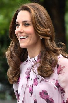 Kate wore her hair in perfect waves while celebrating World Mental Health Day on October 10, 2016.