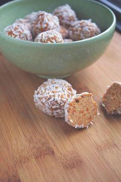 Paleo Carrot Spice Bites - AIP Carrot Spice Bites - 21 Day Sugar Detox Treat - Autoimmune Paleo Dessert - 21DSD recipe - Paleo Carrot Cake - The Primitive Homemaker