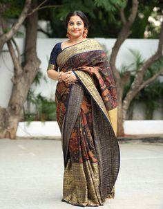 Vidya Balan is the best saree trend setter for plus size body types, style inspiration for plus size women. See top 40 Vidya Balan Saree Styles Beautiful Saree, Beautiful Indian Actress, Beautiful Dresses, Bollywood Saree, Bollywood Fashion, Churidar, Anarkali, Lehenga Choli, Salwar Kameez