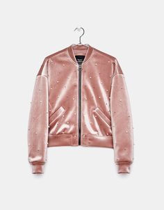 Velvet jacket with pearl beads Girls Bomber Jacket, Bomber Jacket Outfit, Paris Outfits, Cool Outfits, Girl Fashion, Fashion Outfits, Velvet Fashion, Cute Jackets, Mode Hijab