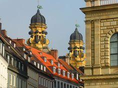 A walking tour of Munich http://www.tourhq.com/germany/munich-tours-guide