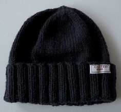 GREITZAN: Fiskarmössa eller Sotarmössa Ear Cap, Flower Power, Stockinette, Vintage Knitting, Hand Warmers, Boho, Knitted Hats, Knit Crochet, Knitting Patterns