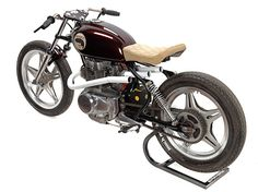 Honda CB250 custom: Much Much Go . . .checkout those awesome pipes