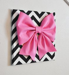 Large Pink Bow on Black and White Chevron 12 x12 por bedbuggs, $34.00