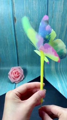 Paper Crafts Origami, Paper Crafts For Kids, Craft Activities For Kids, Preschool Crafts, Diy For Kids, Fun Crafts, Dance Crafts, Instruções Origami, Butterfly Crafts