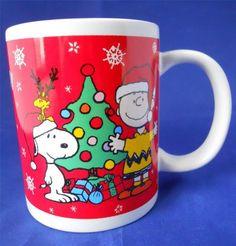 Snoopy Charlie Brown Peanuts HO HO HO Christmas Tree Coffee Cup Mug 2011 Holiday