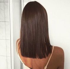 straigth shoulder length hairsytle + brunette / #hairstyles #makeup #beauty