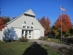 CMP Visitor Center Fall.jpg Claude Moore Park - Sterling
